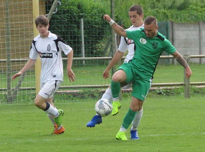 Gólzáporos mérkőzésen győztük le a Szarvas csapatát